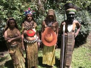 Mount Giluwe chief with wives